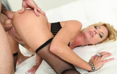 Briana Banks – Squirting Milf Sex (Hustler)